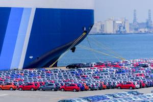 Donald Trump rozważa cła na europejskie samochody