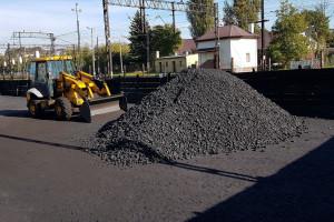 Sprzedawcy węgla: nowe prawo grozi paraliżem składów opału