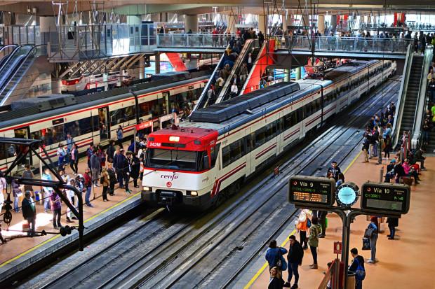 W Hiszpanii odwołano kilkaset połączeń kolejowych