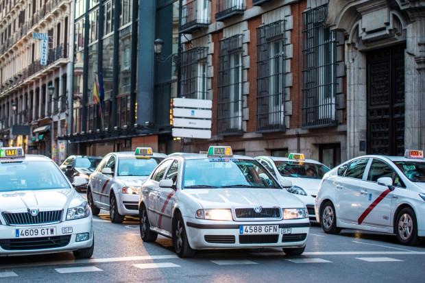 Strajk taksówkarzy już w całej Hiszpanii