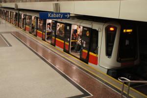Chcą budować dwie nowe linie metra w Warszawie. Ale czy to ma sens?
