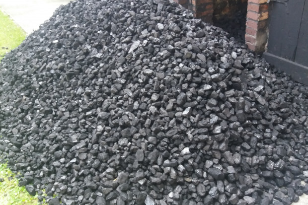 Sprzedawcy mocno zaniepokojeni: w handlu węglem może nastąpić paraliż