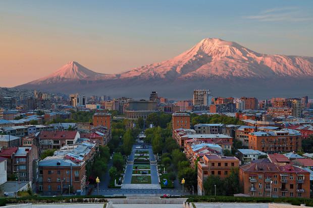 Rosja może zablokować dostawy broni do Armenii z powodu generała