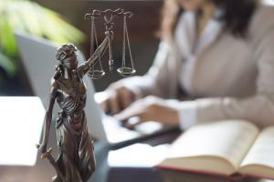 Prokurator chce 8 lat więzienia dla b. szefa Art-B ws. piramidy finansowej
