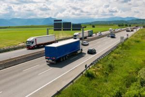 Liczba niewypłacalnych firm nadal rośnie. Najgorzej wypada transport