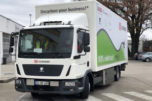 Znaleźli sposób na rozwiązanie największego problemu elektrycznych ciężarówek