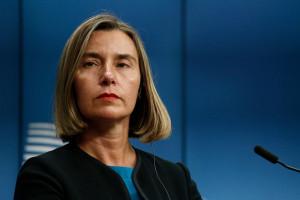 Szefowa unijnej dyplomacji idzie pod prąd amerykańskich sankcji