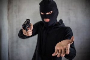 Napad na bank w Śremie; policja poszukuje sprawcy