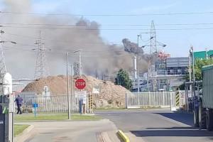 Potężny pożar fabryki w Mielcu
