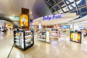 Sklepy na lotniskach: co i gdzie opłaca siękupić