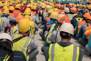 Pół miliona osób w Polsce może stracić pracę. Przemysł bije na alarm