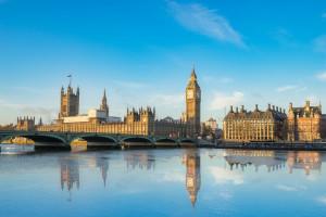 Parlament sprzeciwił się Theresie May. Zbuntowali się nawet ministrowie
