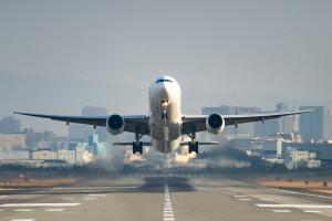 Alarmujące doniesienia. Hakerzy poważnie zagrażają samolotom i statkom