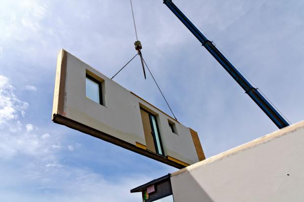 Mirosław Barszcz: uniwersalne formy do prefabrykacji znacząco obniżą koszty budowy domów