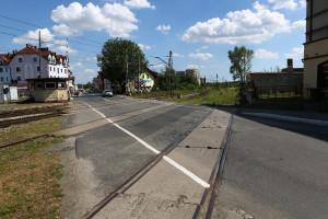 Ważna linia kolejowa zyska bezkolizyjne skrzyżowanie z drogą