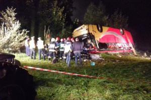 Tragiczny wypadek autokaru na Podkarpaciu. Trzy osoby nie żyją, wielu rannych