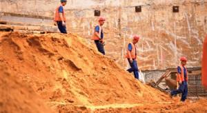 Zapaść budowlanego rynku pracy będzie się pogłębiać. Doszło jednak do małej rewolucji
