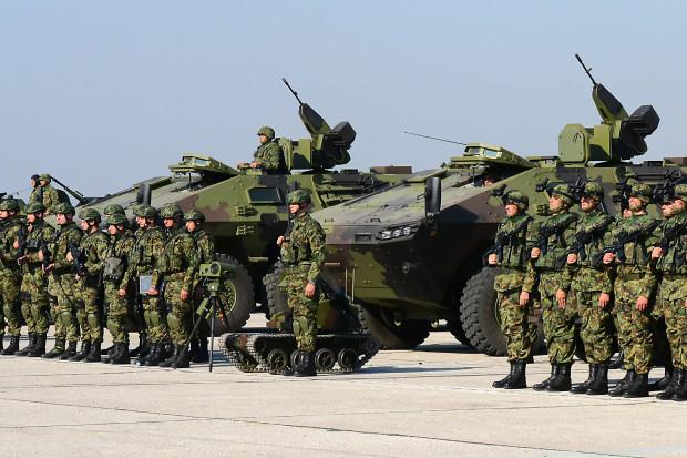 Serbia może przywrócić powszechną służbę wojskową