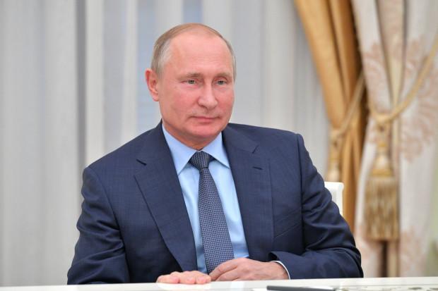 Władimir Putin przedłużył embargo na unijną żywność