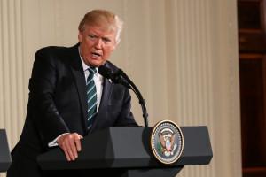 Donald Trump poświęca amerykańskie firmy dla globalnej wojny?