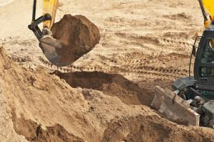 Podwójna kara za wydobycie piasku bez koncesji. Rzecznik interweniuje u ministra