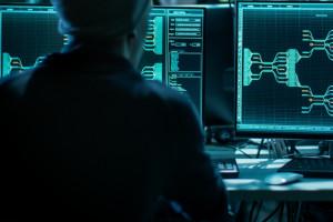 Co dziesiąty skradziony w sieci rekord pozwala złodziejom wejść na konto w banku