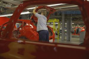 Jedna z największych fabryk motoryzacyjnych w Polsce kończy 20 lat. Tak wyglądały początki