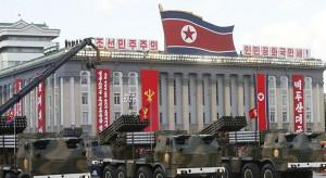 """Korea Północna chwali się udanym testem """"bardzo dużych"""" wyrzutni rakietowych"""