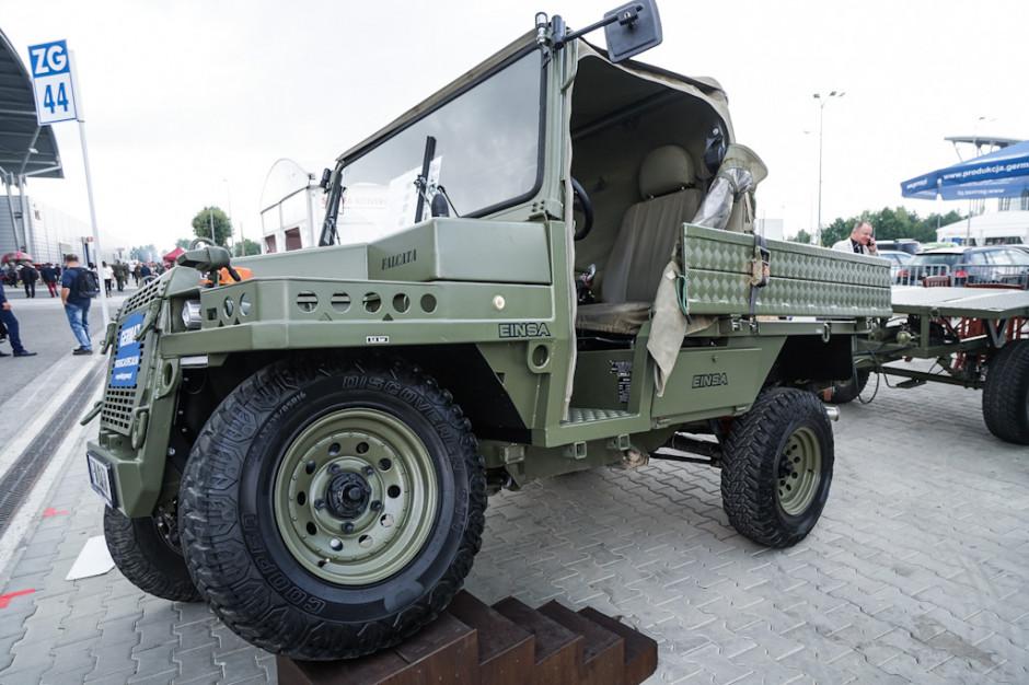 W Kielcach obejrzeć można było także lekki wielozadaniowy pojazd terenowy Falcata. Może on być wykorzystywany również jako platforma wsparcia dla bardziej wyspecjalizowanych systemów, takich jak pojazd do szybkiego reagowania,  pojazd do zwalczania broni pancernej, prowadzenia rozpoznania krótkiego i dalekiego zasięgu, ochrony granic itp.