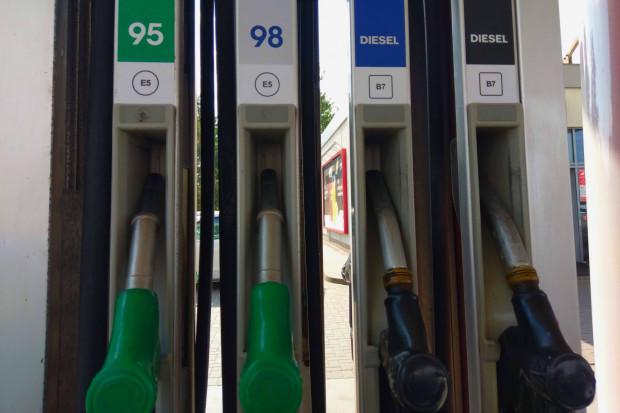 Na stacjach stabilizacja cen paliw na wysokich poziomach