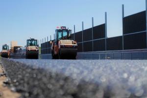 Spór o duży kontrakt drogowy przybiera na sile