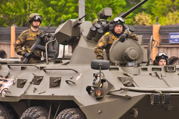 Putin: Rosja jest państwem pokojowym, ale będzie się zbroić