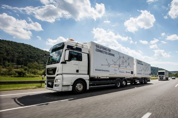 Autonomiczne ciężarówki niebawem na publicznych drogach?