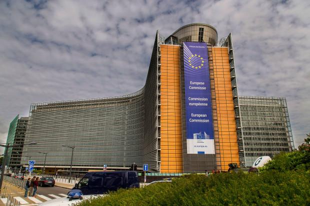 """2 mld euro pomocy dla polskich firm. Jest wstępne """"tak"""" Komisji Europejskiej"""
