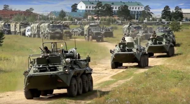 Transportery opancerzone podczas manewrów Wostok-2018 fot.mil.ru