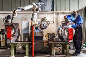 Roboty w przemyśle. To nie jest przyszłość. To już się dzieje
