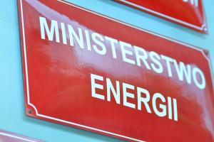 Minister Energii uwalnia zapasy obowiązkowe ropy