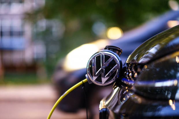 Volkswagen zapowiada koniec silników spalinowych