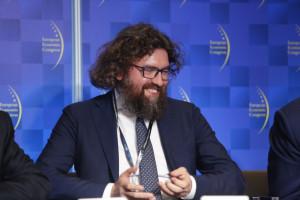 Piotr Woźny nie odchodzi ze stanowiska