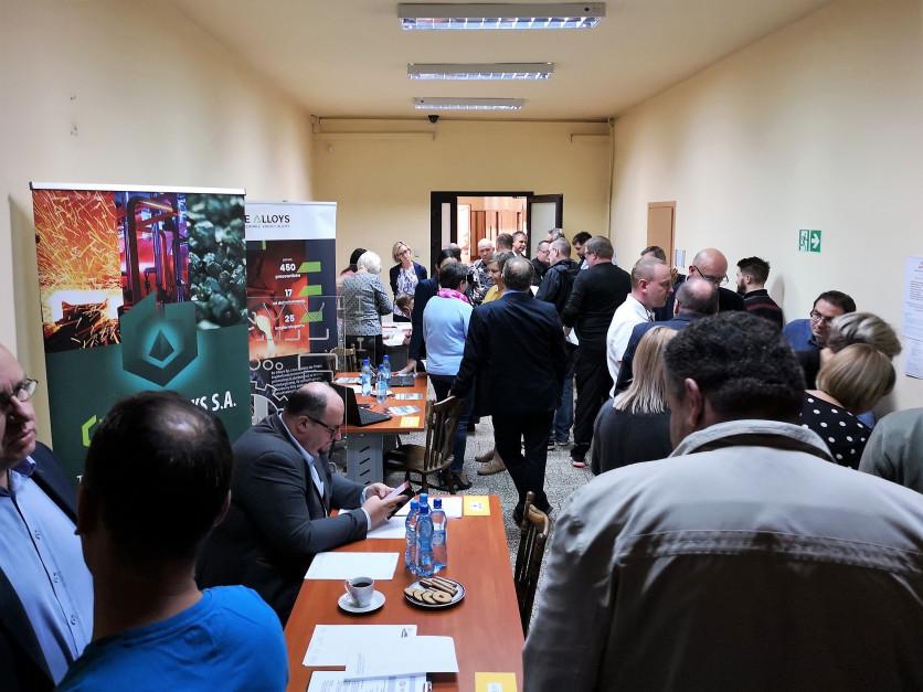 Ponad 200 osób pojawiło się na czwartkowym (11 października) spotkaniu z pracodawcami (fot.mat.pras.)