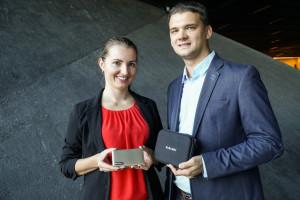 Małżeństwo z Łodzi wymyśliło WiFi inne niż wszystkie. Internet działa na całym świecie, bez karty i roamingu