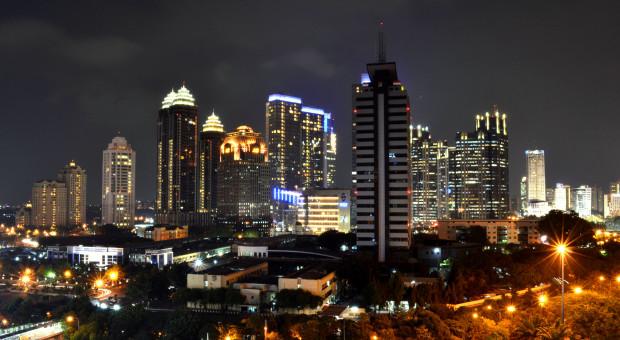 Indonezja spowalnia i zwiększa zachęty dla inwestorów