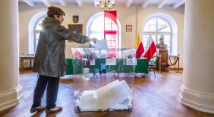 Polacy wybierają władze samorządowe. Zaskakująca frekwencja