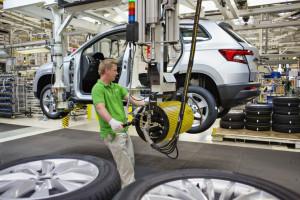 Spadki w produkcji samochodów nadal odczuwalne