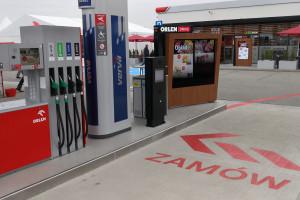 """W Polsce stanęła najnowocześniejsza stacja benzynowa w Europie. """"Kluczowe jest 210 sekund"""""""
