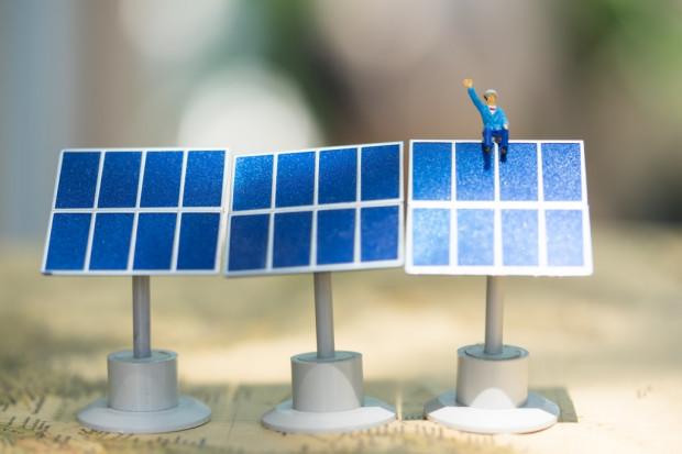 Izraelski start-up opracował miniaturowe panele słoneczne