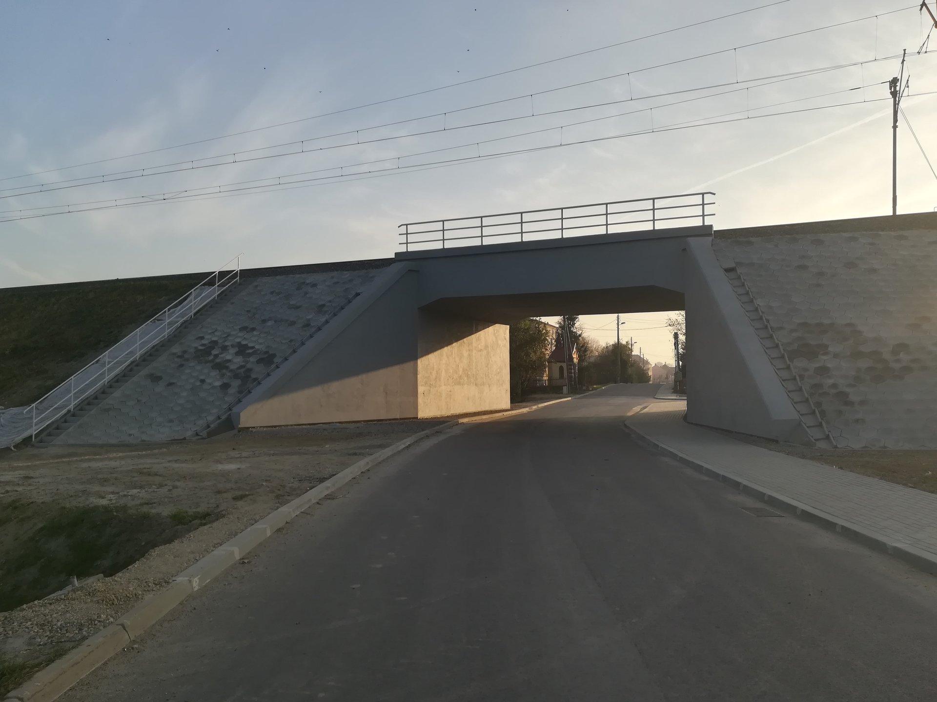 Zmodernizowany wiadukt kolejowy w Ostrowie (fot. PKP PLK)