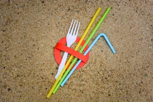 Unia ostatecznie kończy z częścią produktów z plastiku
