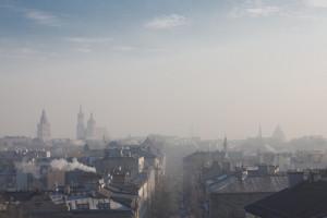 Normy i regulacje prawne to za mało, by trwale obniżyć poziom smogu