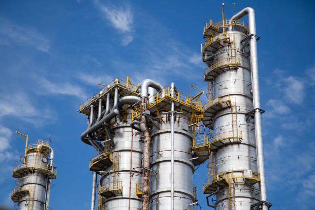 Branżę chemiczną czeka regulacyjna kumulacja